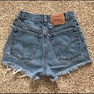 Levi's 512 High Rise Cutoffs